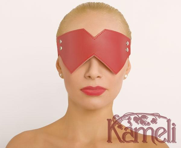 Угловатая маска без вырезов для глаз