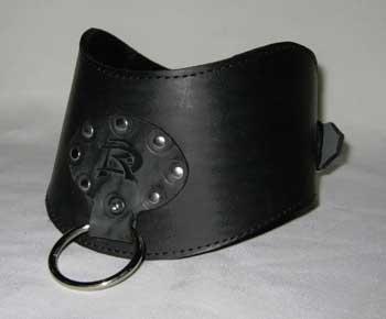 Кожаный фигурный широкий ошейник с кольцом - фото 291842