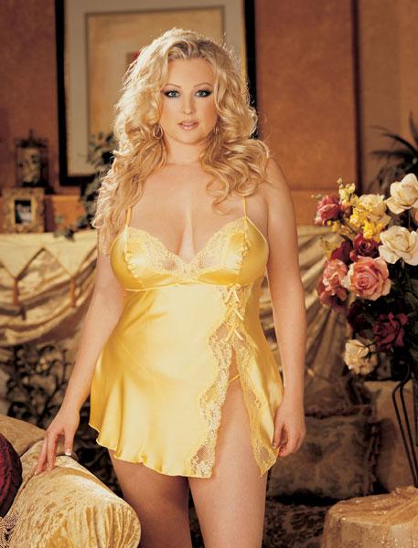 Атласное платье беби-долл с нежным кружевом - фото 312884