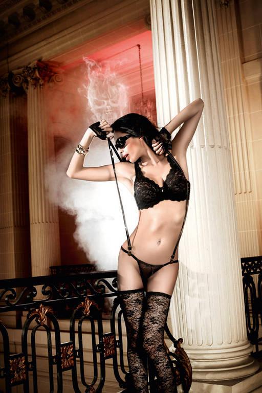 Кружевной черный бюстгальтер Deeper in Hell с косточками и подвеской - фото 212101
