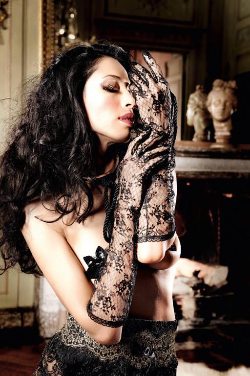 Черные перчатки длинные кружевные Beauty Inside The Beast - фото 212365
