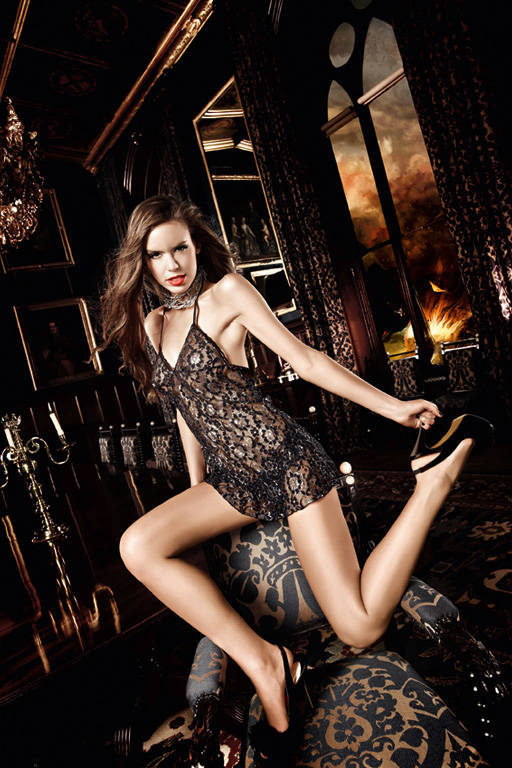Черное кружевное платьице с завязками за шеей и серебристым орнаментом Deeper in Hell - фото 212732