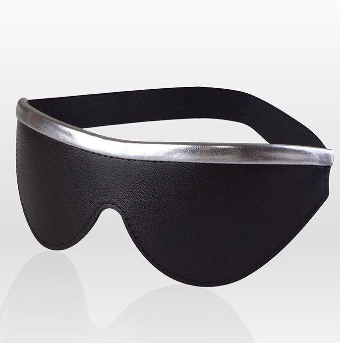 Черная кожаная маска на резинке с серебристой полосой