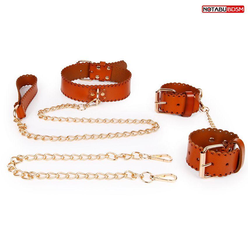 Изысканный кожаный набор с золотистыми цепочками: наручники, ошейник с поводком