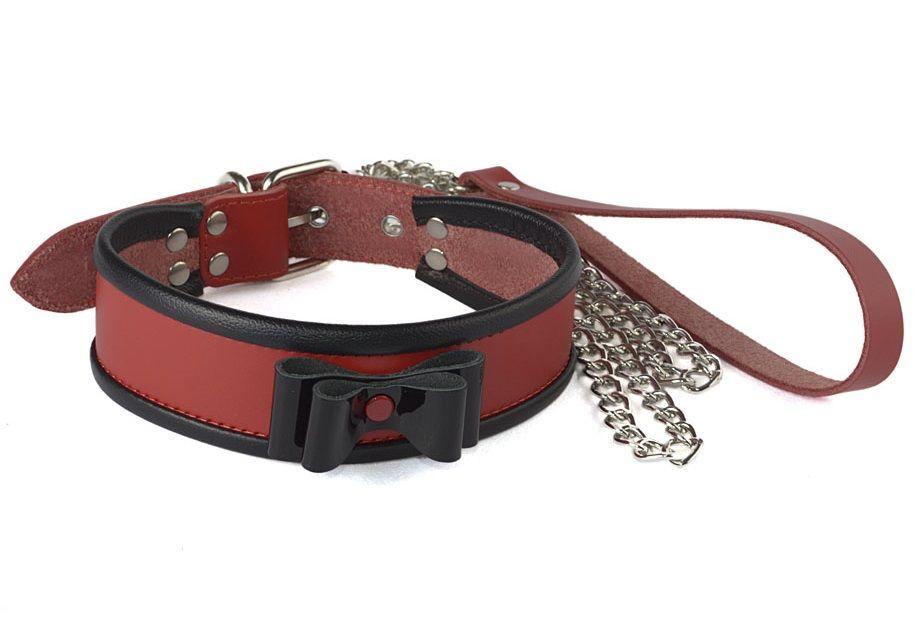 Красный ошейник с чёрным лаковым бантом и поводком