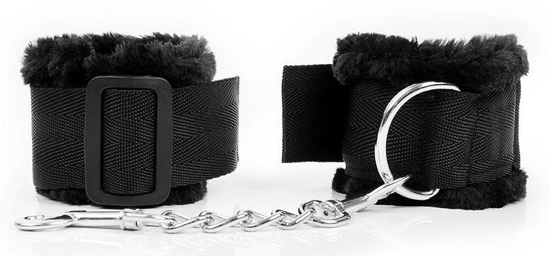 Черные наручники на регулируемых пряжках
