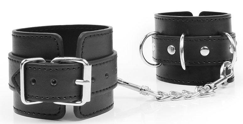 Черные наручники с металлическими застежками и цепочкой - фото 383191