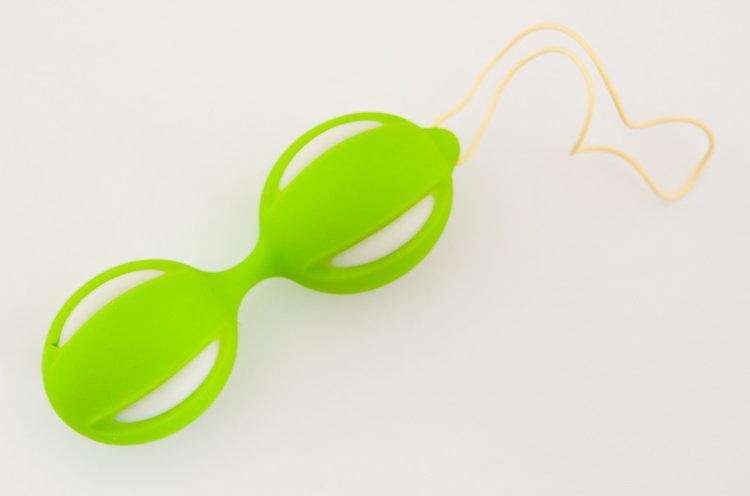 Зелёные вагинальные шарики на гибкой сцепке - фото 243619
