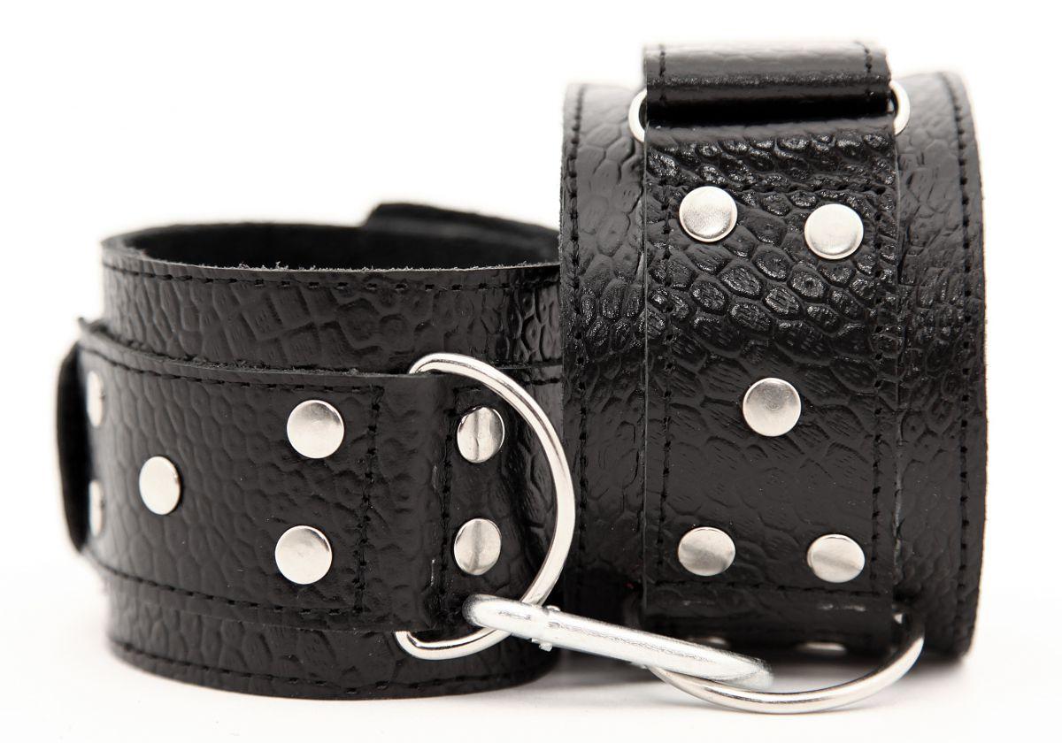 Чёрные кожаные наручники - фото 454061