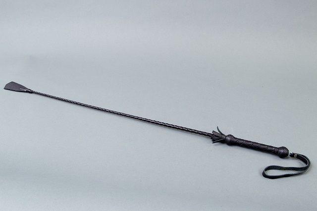 Витой короткий стек с кожаным наконечником в форме хлопушки - 70 см. - фото 454543