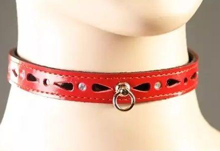 Декоративный красный ошейник со стразами и колечком  - фото 137800