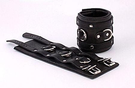 Широкие подвернутые наручники с 3 сварными D-кольцами - фото 13161