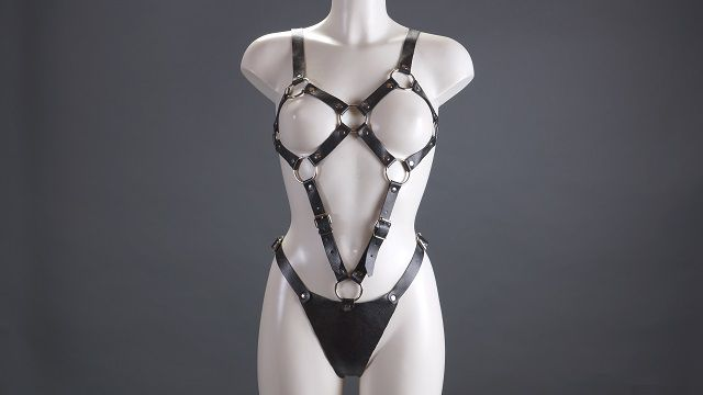 Женский чёрный комплект из кожи - фото 13182