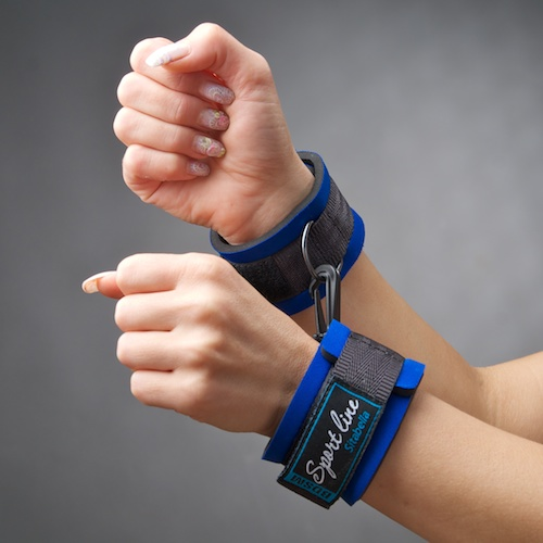 Стильные синие наручники из неопрена - фото 506939