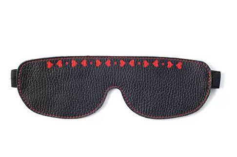 Чёрная маска, украшенная сердечками - фото 1151962