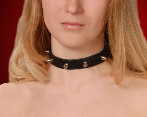 Узкий чёрный ошейник с шипами - фото 140501