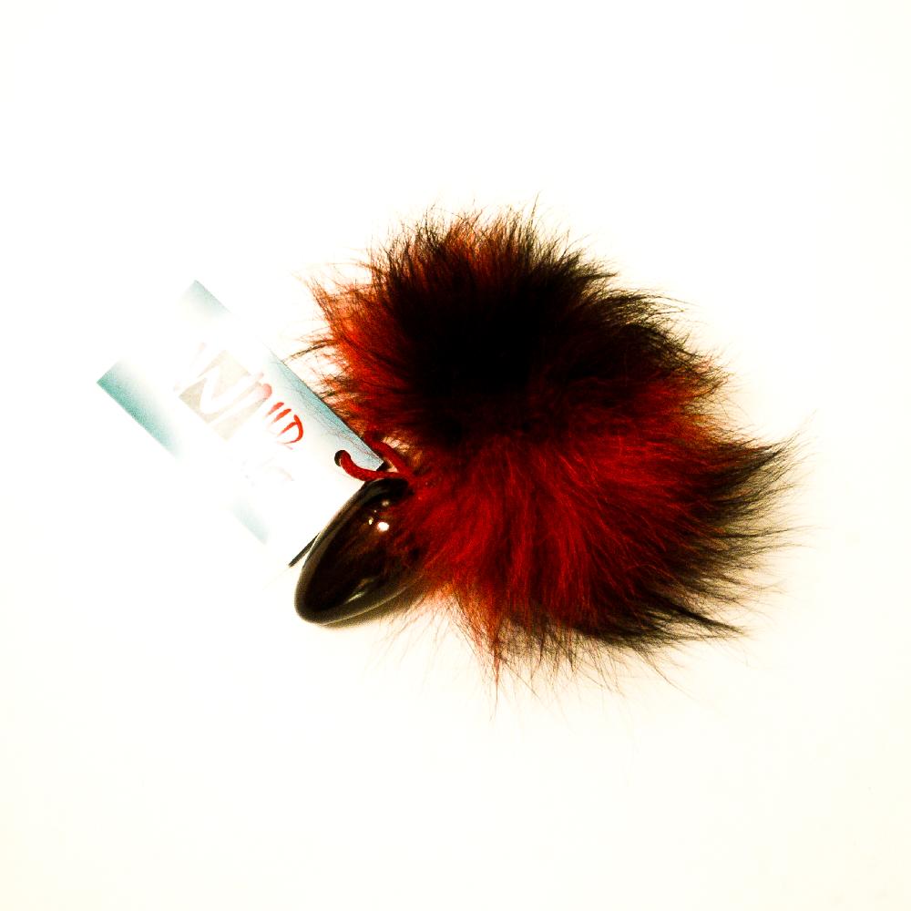 Анальная пробка с красно-черным заячьим хвостом - 8 см.