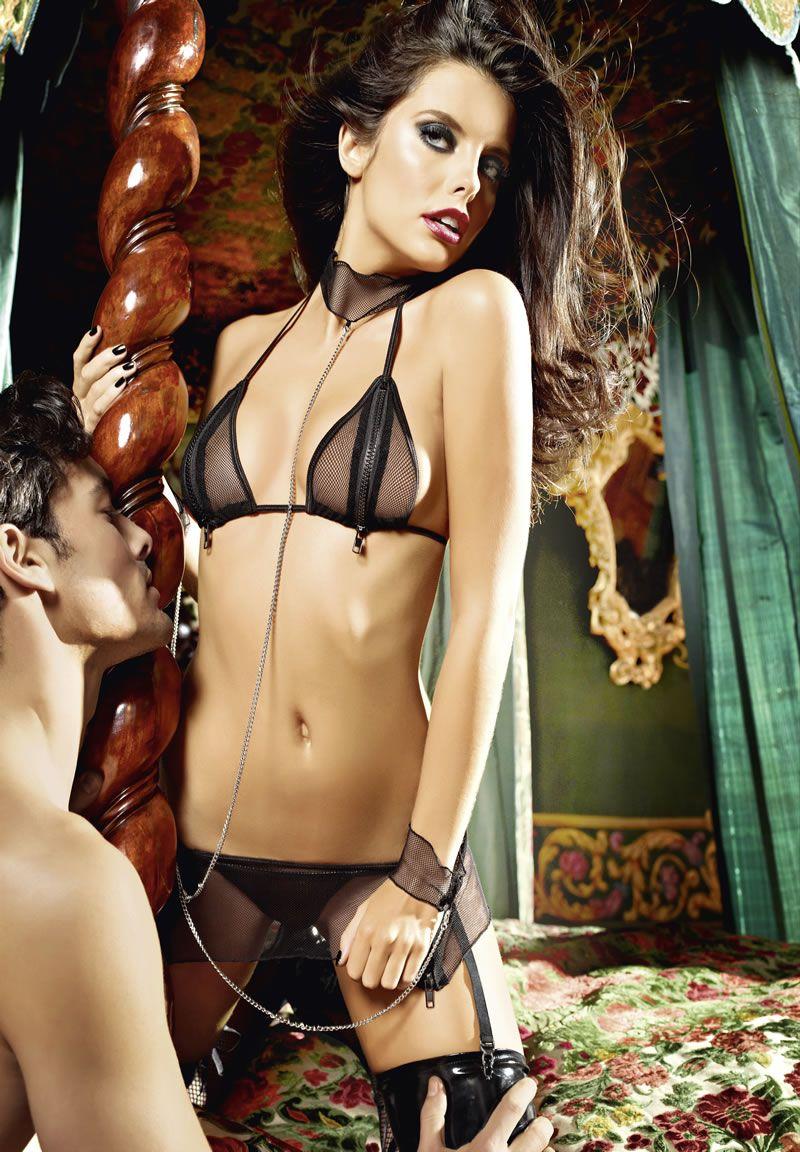Игровой костюм рабыни: топ, мини-юбка, кружевные манжеты, воротник с цепью - фото 563516