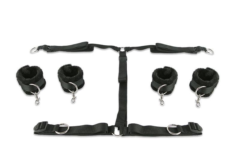 Набор чёрных фиксаторов для рук и ног с мягкой подкладкой - фото 147451