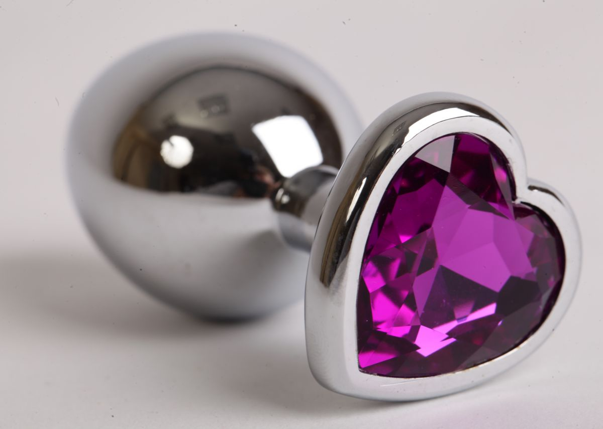 Серебристая анальная пробка с фиолетовым стразиком-сердечком - 8 см. - фото 194615