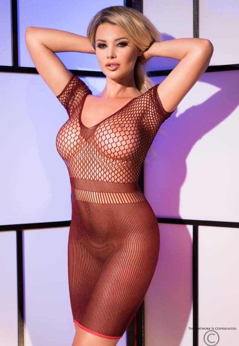 Платье с крупной сеткой на груди