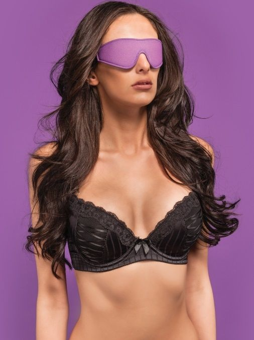 Чёрно-фиолетовая двусторонняя маска на глаза Reversible Eyemask - фото 1261375