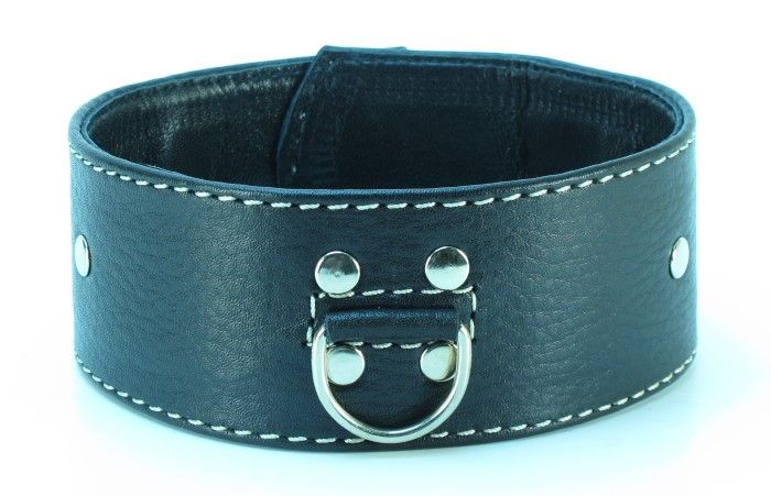 Черный кожаный ошейник с петлёй для поводка - фото 138279