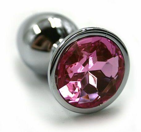 Серебристая алюминиевая анальная пробка с светло-розовым кристаллом - 6 см.