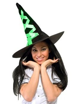 Шляпа ведьмы с зелёной шнуровкой
