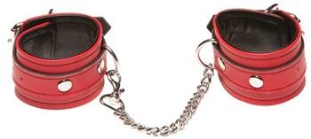Красные кожаные наручники X-Play