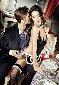 Костюм соблазнительной официантки: боди с фартуком и воротничок