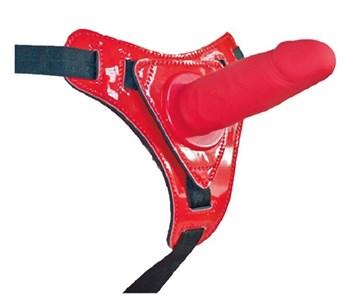 Красный страпон на лакированных трусиках - 12 см.