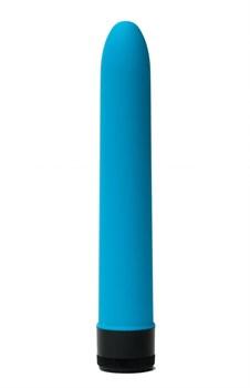 Голубой гладкий вибратор с силиконовым напылением - 17,5 см.