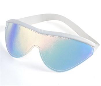 Белая маска с перламутровым блеском