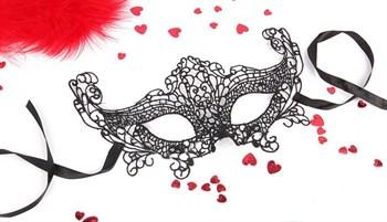 Черная ажурная текстильная маска  Амели