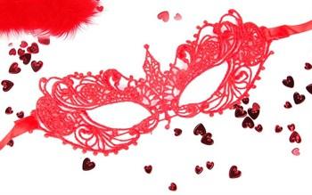 Красная ажурная текстильная маска  Кэролин