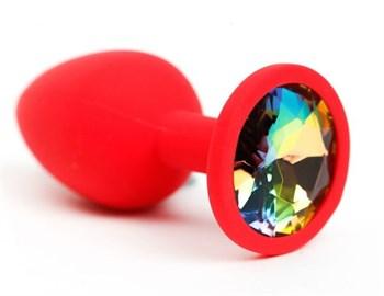 Красная силиконовая анальная пробка с радужным стразом - 7,6 см.