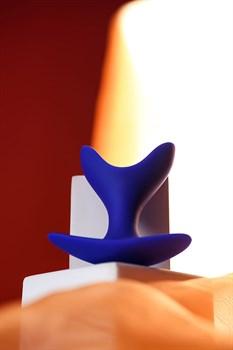 Синяя силиконовая расширяющая анальная пробка Bloom - 8,5 см.