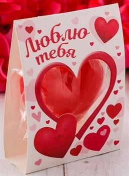Красная романтичная свеча-сердце  Люблю