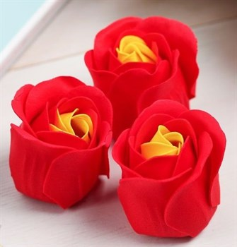 Красные мыльные розочки в стильной шкатулке-сердце Never look back - 3 шт.