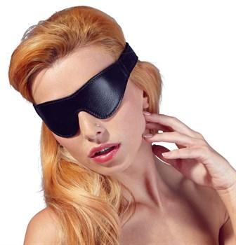 Плотная черная маска на глаза