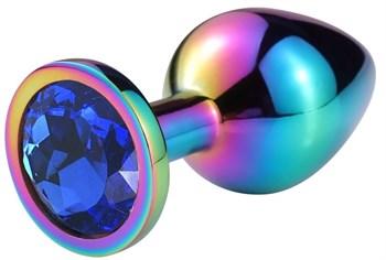Разноцветная гладкая анальная пробка с синим кристаллом - 6,8 см.