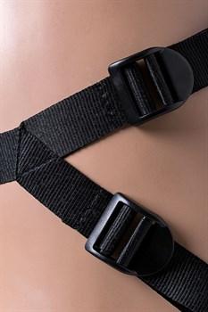 Телесный страпон на трусиках Realstick Jax - 17,9 см.
