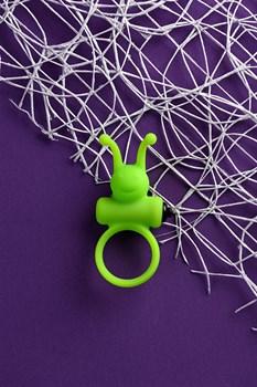 Зеленое эрекционное виброкольцо на пенис Cock Ring
