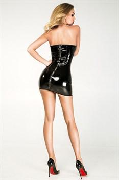 Изящное облегающее лакированное платье