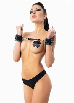 Изумрудные наручники с фиксацией на двух карабинах