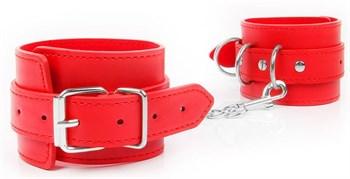 Красные оковы на регулируемых пряжках с карабином