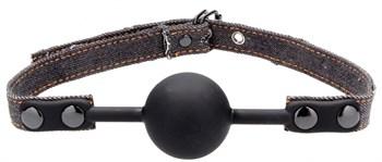 Черный кляп-шарик With Roughend Denim Straps с черными джинсовыми ремешками