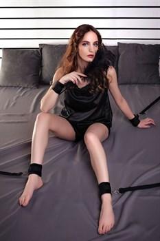 БДСМ-стрепы на кровать для любовных игр