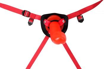Красный страпон Thumper Strap-on на ремешках - 18 см.
